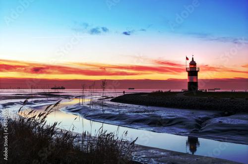 Foto auf Gartenposter Leuchtturm Leuchtturm
