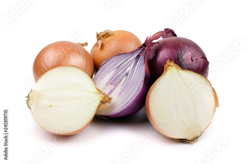Fototapeta Ripe yellow and red onion isolated on a white background obraz