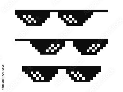 Cuadros en Lienzo Vector pixel glasses known as thug life symbol