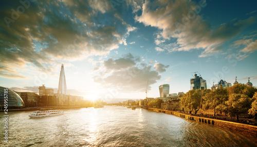 Photo  sunset from Tower Bridge, London, UK
