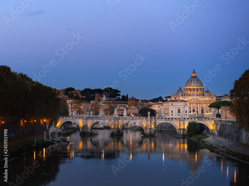 In de dag Centraal Europa St. Peter's cathedral in sunrise time, Rome, Italy