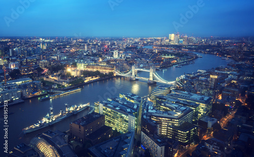 In de dag Centraal Europa London aerial view with Tower Bridge, UK