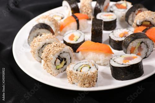 Fototapeta assorted sushi and maki obraz