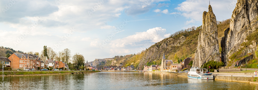 Fototapety, obrazy: Meuse river with Bayard rock, Dinant, Belgium