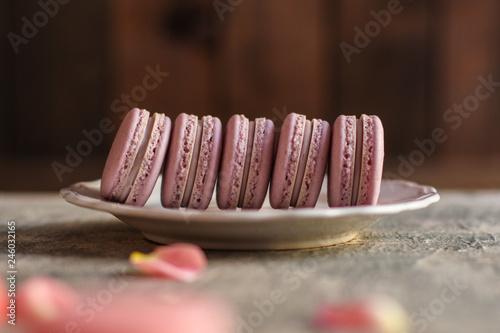 Foto auf AluDibond Macarons macaron or macaroons cookie, tasty dessert. food background