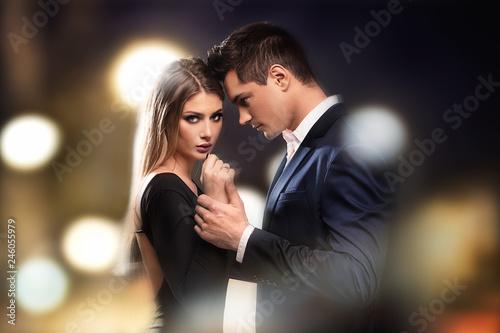 Fotografía  Young beautiful couple posing.