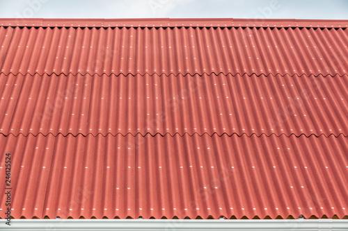 Cuadros en Lienzo toiture de maison créole en tôles d'acier ondulées  et gouttière