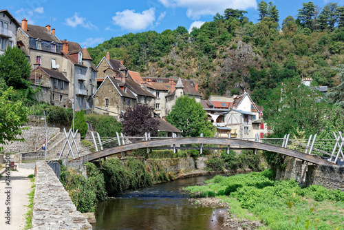La pose en embrasure Kaki Aubusson, Creuse, Limousin, Nouvelle-Aquitaine, France