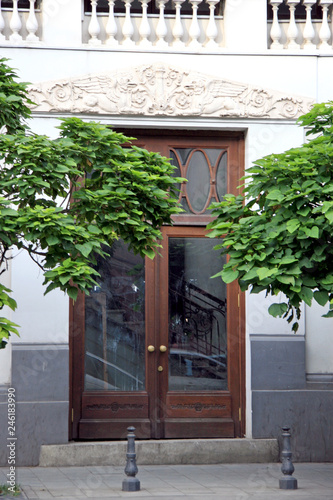 Foto op Canvas Tuin Entrance / Main entrance in the old quarter in Tbilisi, Georgia