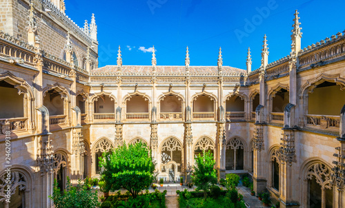 Green courtyard at Monasterio de San Juan de los Reyes at Toledo, Spain