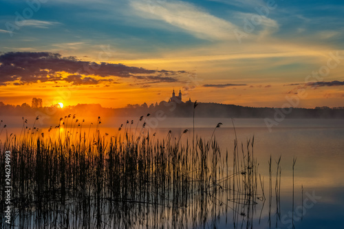 Obraz Wschód słońca, Jezioro Wigry - fototapety do salonu