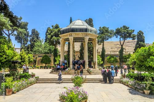Fototapeta Shiraz Tomb of Hafez 02