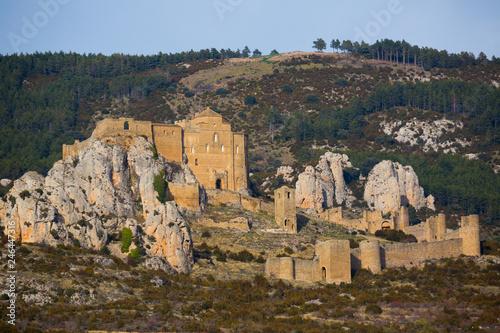 Fotobehang Historisch geb. Romanesque Castle de Loarre. Loarre. Huesca. Spain