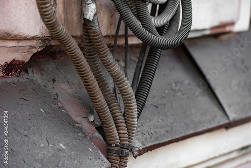 Foto  A bunch of old corrugated hoses