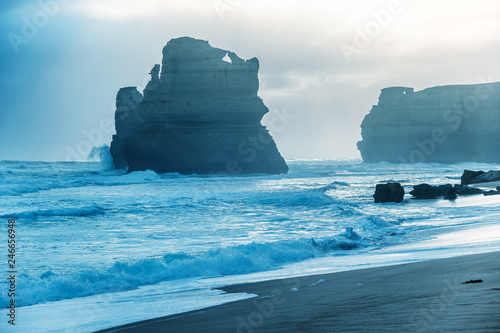 Fotografia  The Twelve Apostles from Gibson Steps on a stormy afternoon