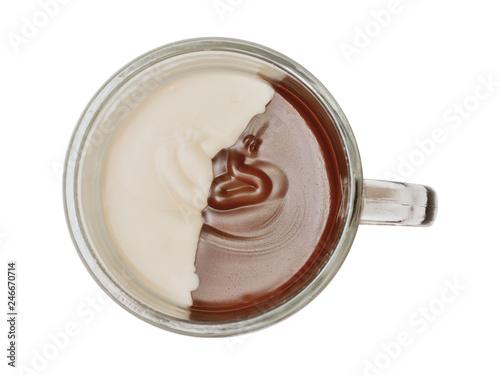 Fotografia chocolate paste spread white and dark on a white background