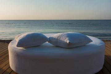 Fototapeta na wymiar Beautiful sunrise by the sea