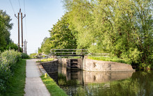 English Canal Lock And Tow Pat...