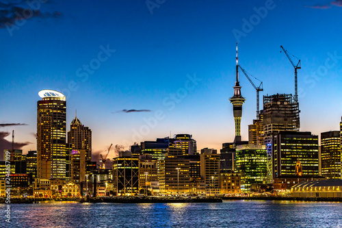 Foto op Plexiglas Oceanië New Zealand. Auckland. The skyline of the city (CBD) by night
