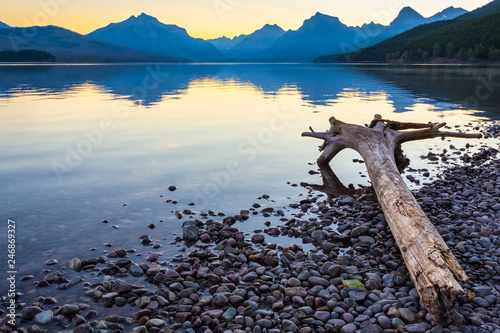 Fotografia, Obraz  Glacier National Park Mountain Lake Sunrise