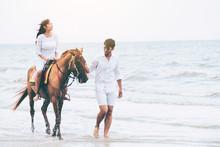 Young Couple Goes Honeymoon Ho...