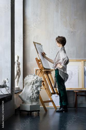 Stampa su Tela Modern creative artist sculptor woman female creator student at art studio works