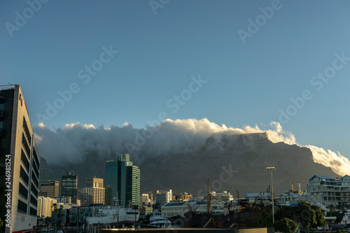 Foto  View of Table Mountain from Waterfront, Cape Town