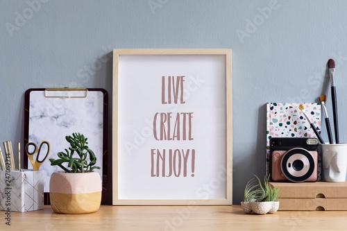 Fotografia Designer objects arranged on desk