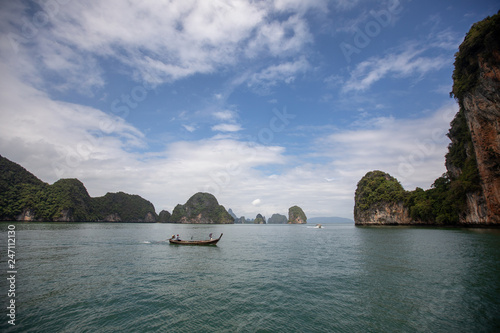 Photo  Landscape of Phi Phi island scenic beautiful place in sunny day, Traveling with