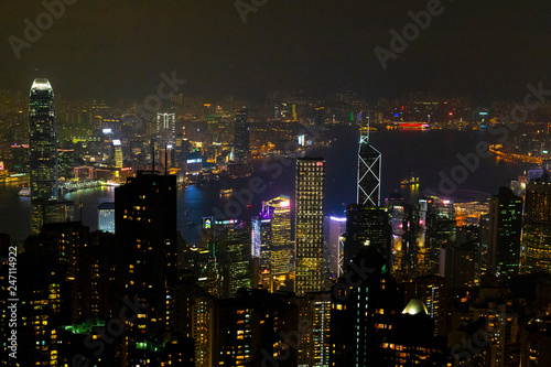 Foto op Canvas Aziatische Plekken Causeway Bay, Hong Kong - 23 November 2018: Hong Kong skyline at night view from Victoria peak.