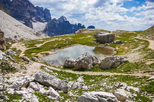 Photo  Piccola pozzanghera nelle dolomiti dell'Alto Adige