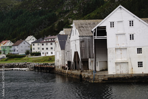 Poster Ville sur l eau Norwegen um die Insel Runde / Alesund
