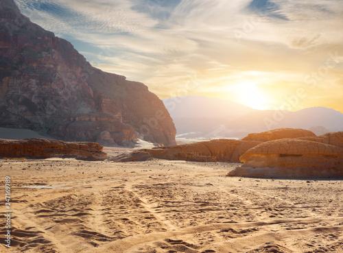 Poster Maroc Rocks in sand deser