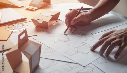 Stampa su Tela Designer sketching drawing design Brown craft cardboard paper product eco packaging mockup box development template package branding Label
