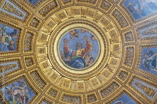 Photographie Mosaic of God the Father in the top of cupola in Chigi chapel by Luigi de Pace i