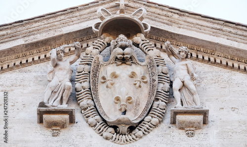 Photographie  Coat-of-arms of France on the facade of Chiesa di San Luigi dei Francesi - Churc