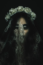 Creepy Corpse Zombie Bride Wit...