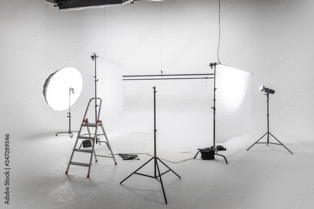 Fototapety, obrazy: 写真撮影の準備 Preparation for studio shooting