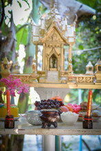 Pay Respect To God, Thai Style.