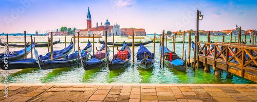 Spoed Foto op Canvas Gondolas Moored gondolas on Grand Canal in Venice.