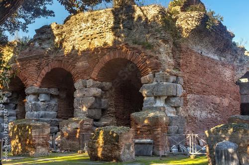 Valokuva  Ruins of the Flavian Amphitheater in Pozzuoli