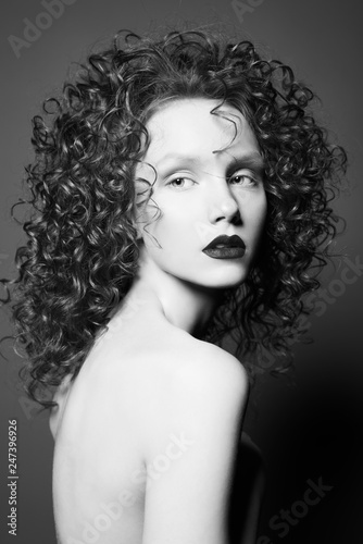 Küchenrückwand aus Glas mit Foto womenART Beautiful nude woman with curly-hair and black lips.