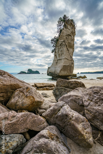 Foto op Canvas Cathedral Cove sandstone rock monolith,cathedral cove,coromandel,new zealand 2