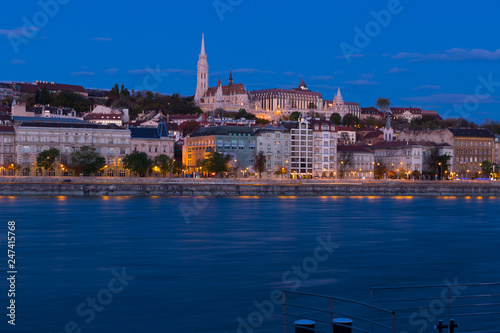 Fotobehang Europa Night illumination of Budapest with Matthias Church and Fisherman Bastion