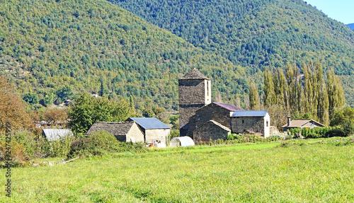 Obraz na płótnie Río Ara a su paso por Liguerre, Huesca, Aragón, España