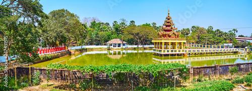 Deurstickers Asia land The shrine on the pond, Mya Tha Lyaung Buddha Temple, Bago, Myanmar