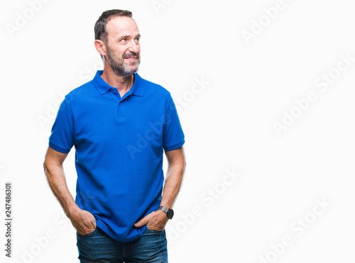 Fotografia  Middle age hoary senior man over isolated background smiling looking side and staring away thinking