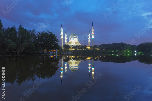 Sultan Salahuddin Abdul Aziz Mosque, Malaysia Wallpaper Mural