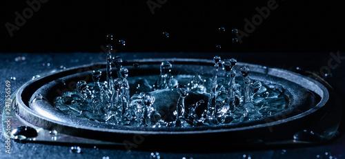 Fotografie, Obraz  Dancing water on loudspeaker