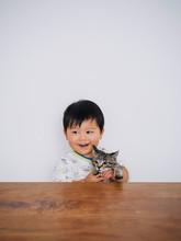 子猫と幼児